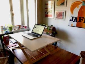 Såhär kan ett hemmakontor se ut. Bild: Sohvi Sirkesalo