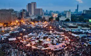 I Irak har demonstrationer mot korruptionen i landet ordnats sedan oktober. Demonstranterna har envist hållit sig vid Tahrirtorget trots våldsamma sammandrabbningar mellan demonstranterna och de lokala säkerhetstjänsterna. Bild: Wikimedia/ Jonathan Rashad/ CC BY 2.0