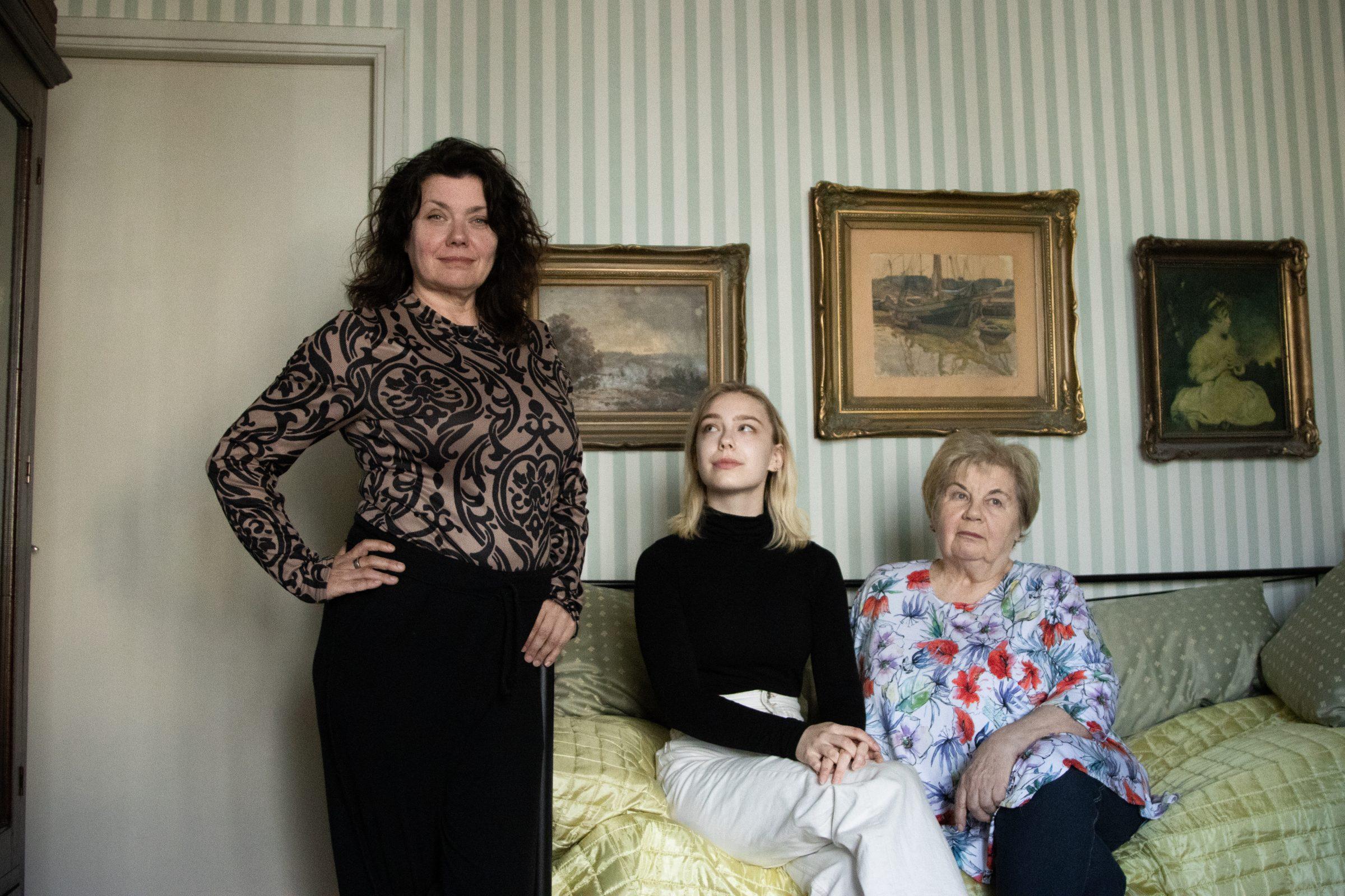 Från vänster: Miira Ojanen, Nova Lindahl och Iris Ojanen